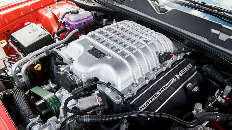 هل تتسبب لوائح الانبعاثات في قتل محرك V8 من دودج؟