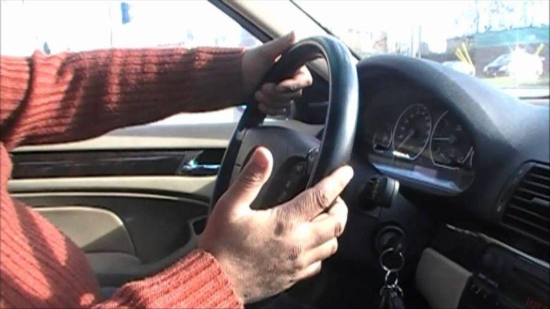 ما هي أسباب صدور صوت طقطقة من الجزء الخلفي للسيارة؟