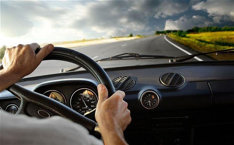 هل يؤثر ضعف البطارية في قوة وعزم محرك السيارة؟