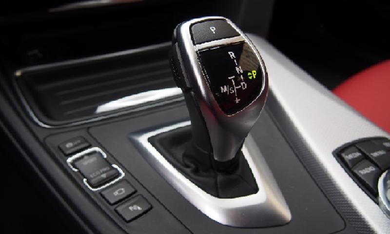 أبرز مؤشرات تعرض القير الأتوماتيكي في السيارات للأعطال