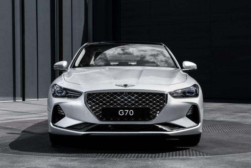 هل تخطط جينيسيس لإطلاق G70 جديدة عالية الأداء؟