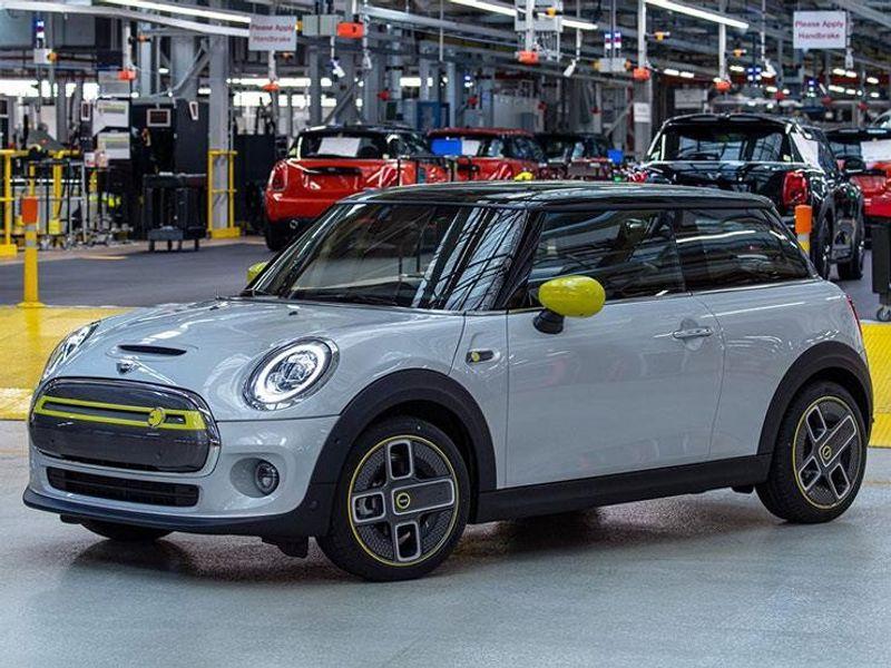 """""""بالصور"""" الإطلاق الرسمى للسيارة الكهربائية ميني كوبر SE 2020"""