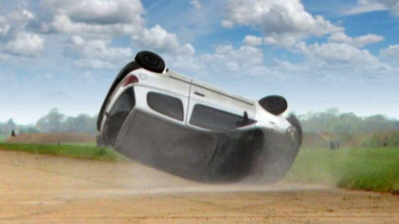 5 عوامل مؤثرة في ثبات السيارة على الطريق.. تعرف عليها