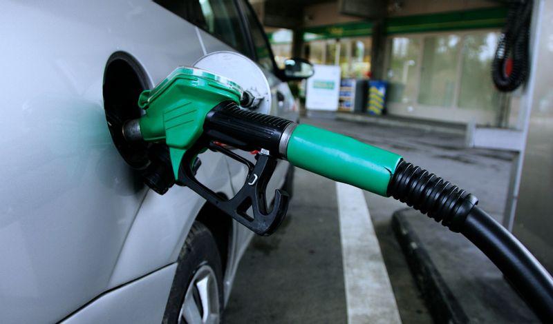 """""""أرامكو"""" تعلن عن أسعار البنزين الجديدة وتغير نظام المراجعة الدورية"""