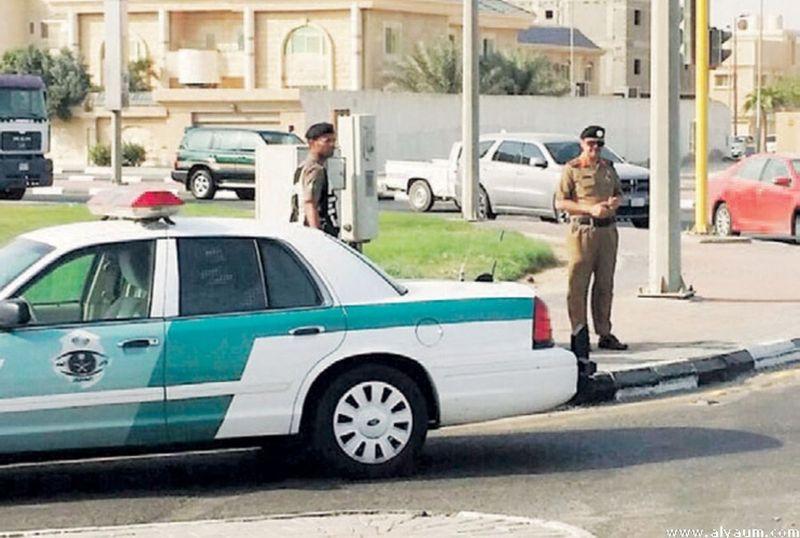 """""""المرور"""" يحذر من عدم التقيد بإشارات رجال الأمن اليدوية..وإليك عقوبتها!"""
