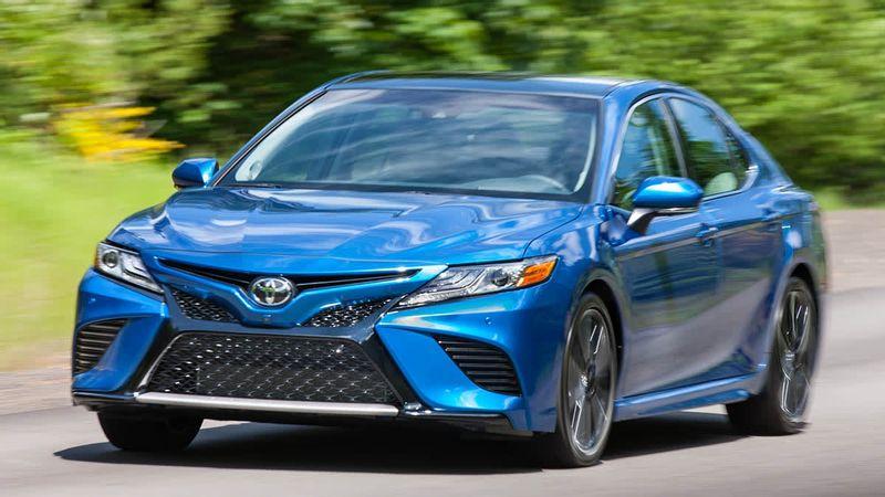 تويوتا تصدر استدعائين هائلين لحوالي 740,000 سيارة